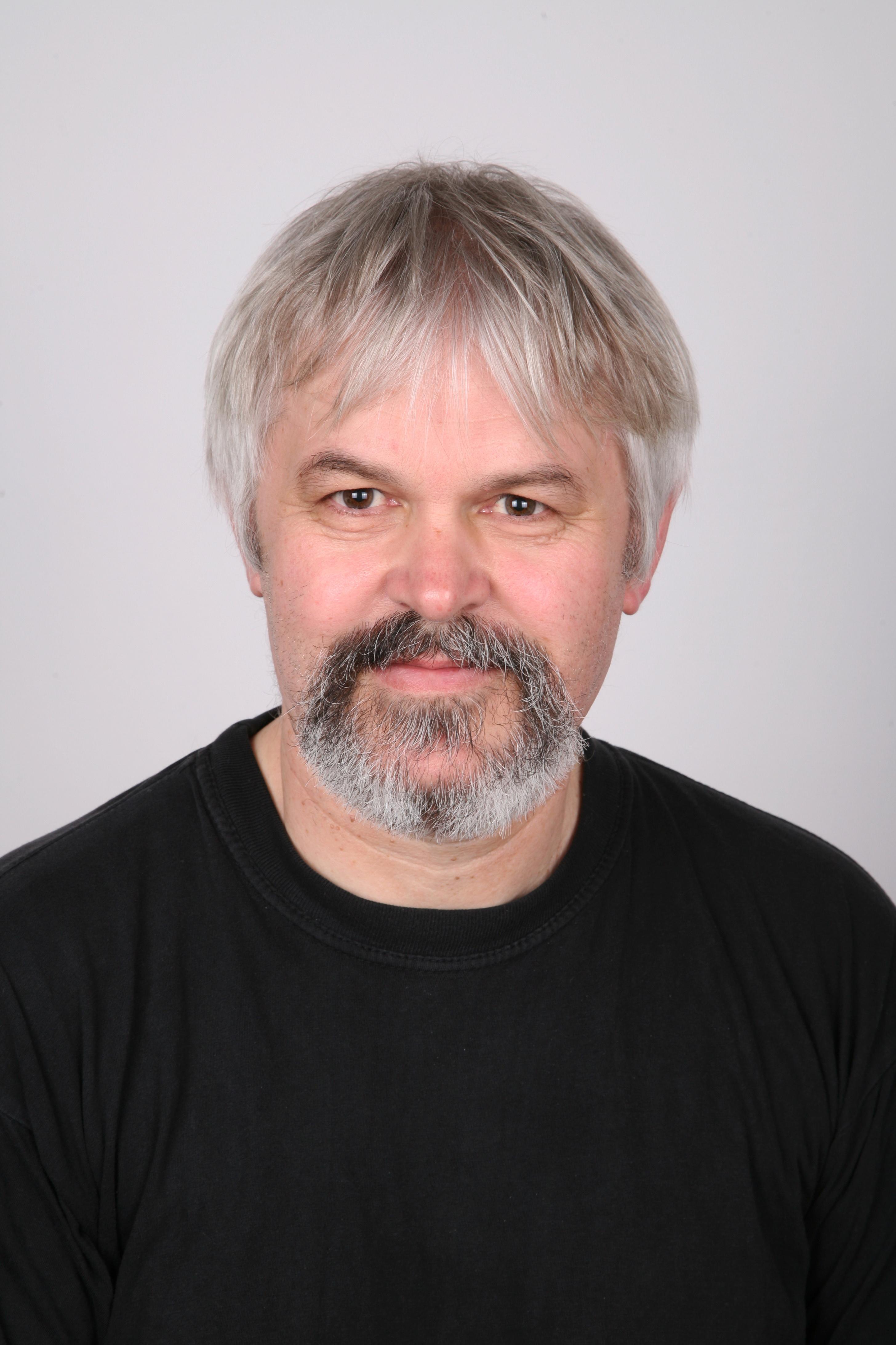 Tibor Jakab